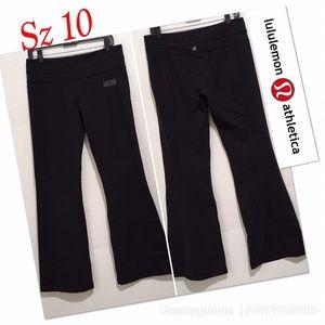 Lululemon lifetime yoga flare pants Sz 10 stretchy